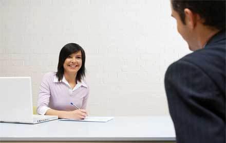 Como se comportar em uma entrevista de emprego dicas