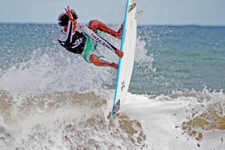 Melhores Praias Para Surf no Brasil.