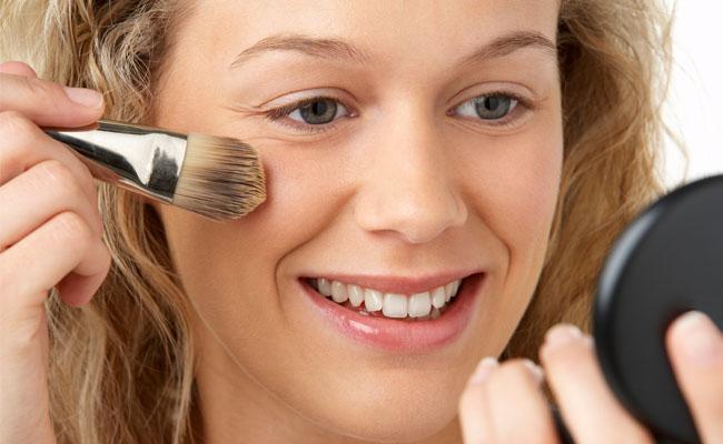 Aprenda-a-se-maquiar-para-uma-entrevista-de-emprego2