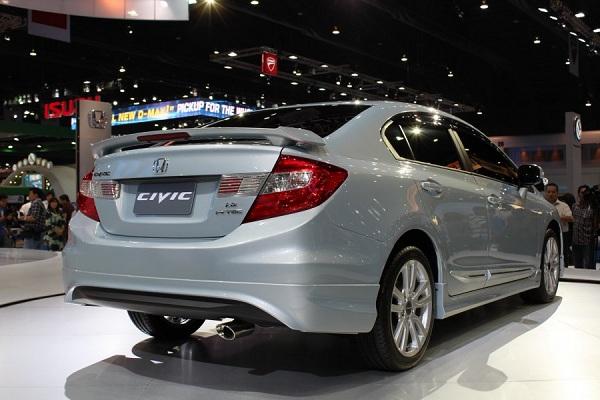 2013-All-New-Honda-Civic-Showcase-at-Bangkok-International-Motor-Show-2