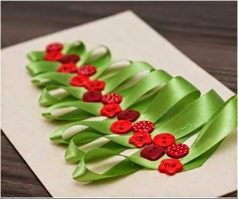 cartao de natal com fitas e botoes
