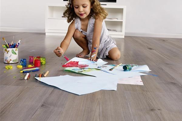 Como limpar piso laminado2