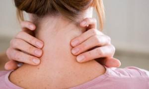 Como curar torcicolo em casa