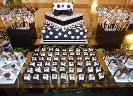 Decoração de festa preto e branco