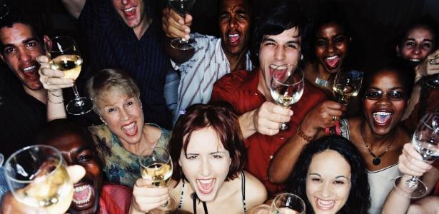 Beber e fumar somente nos fins de semana prejudica a saúde