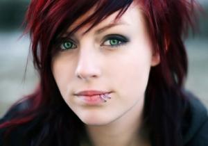 Modelos de piercings de boca para mulheres